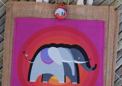 elephant (magenta)