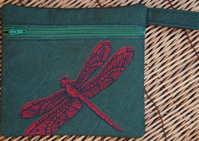 dragonfly (red on green)