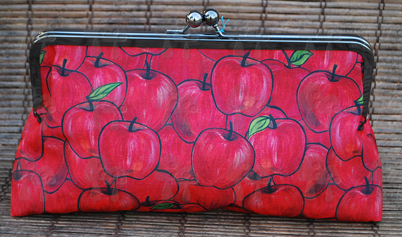 Clutch purse: She's apples
