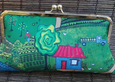 Clutch purse: down on the farm (house)