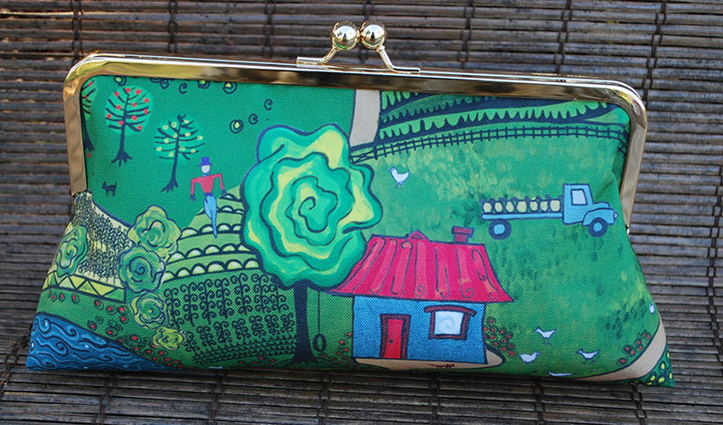 Clutch purse: down on the farm (house)