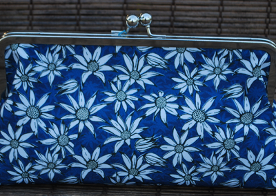 Clutch purse: flannel flowers (blue)