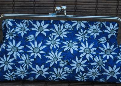 Clutch purse: flannel flowers (blue)
