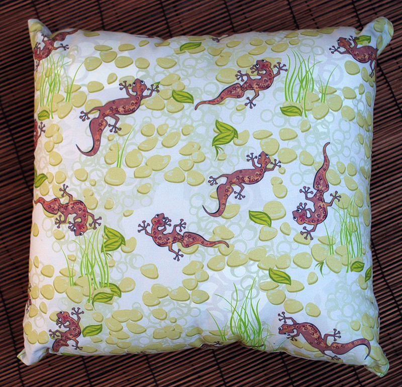 gecko's garden cushion