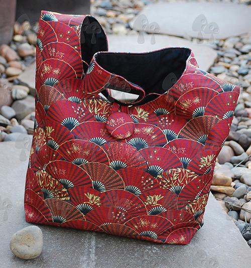 fan me! shoulder bag (scarlet)